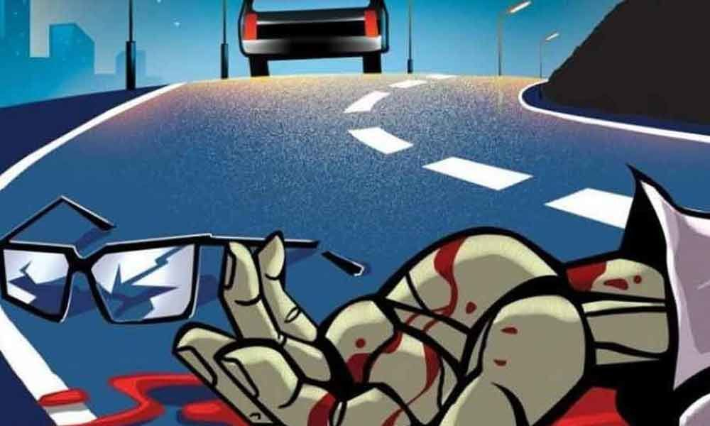 Homeguard dies after bike rams into stationary oil tanker in Hyderabad