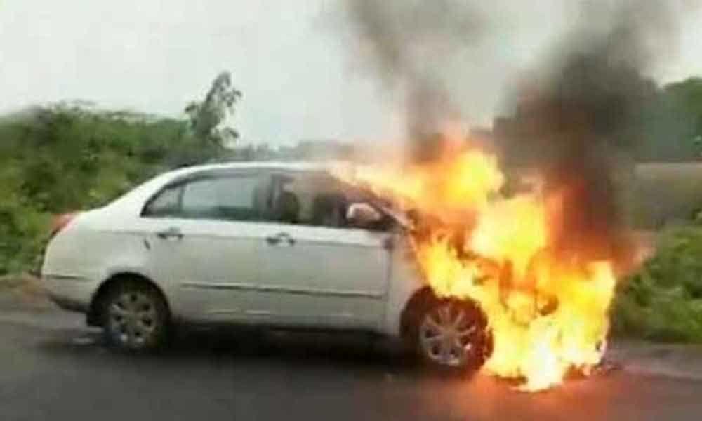 Car catches fire in Peddapalli, none hurt