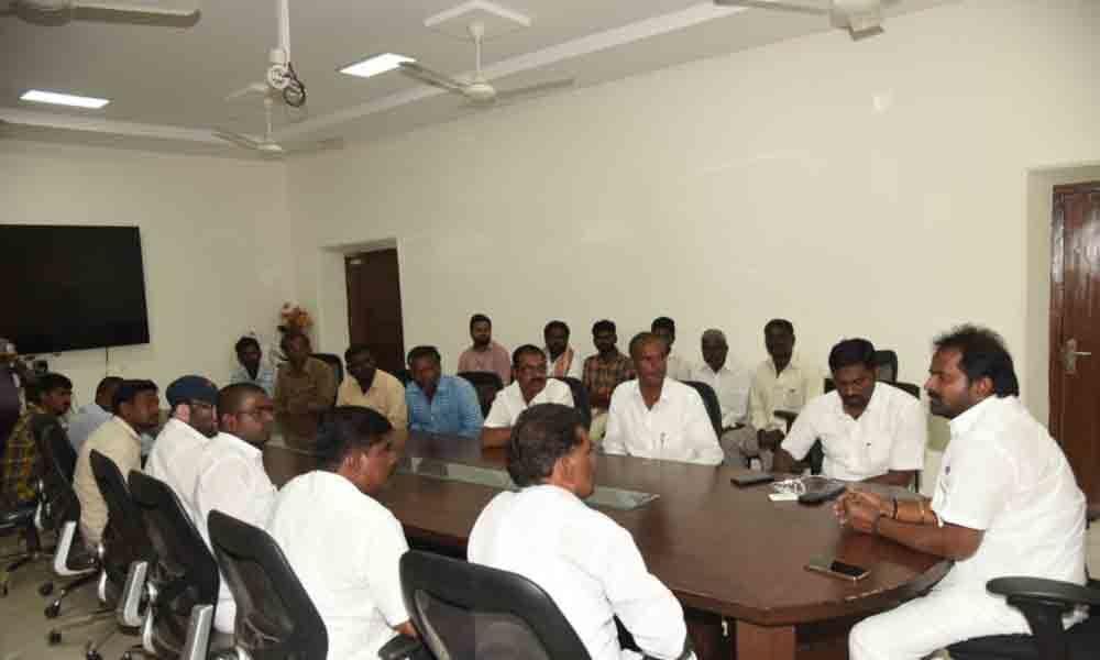 Mahbubnagar: Officials told to restore the livelihood of Vadderas