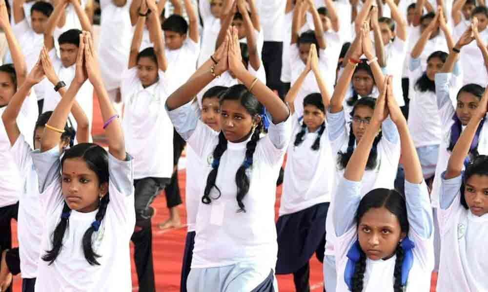 Students in UP government schools to do yoga