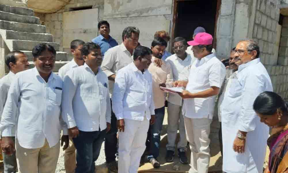 Mahbubnagar: MLA inspects 2BHKs for journalists