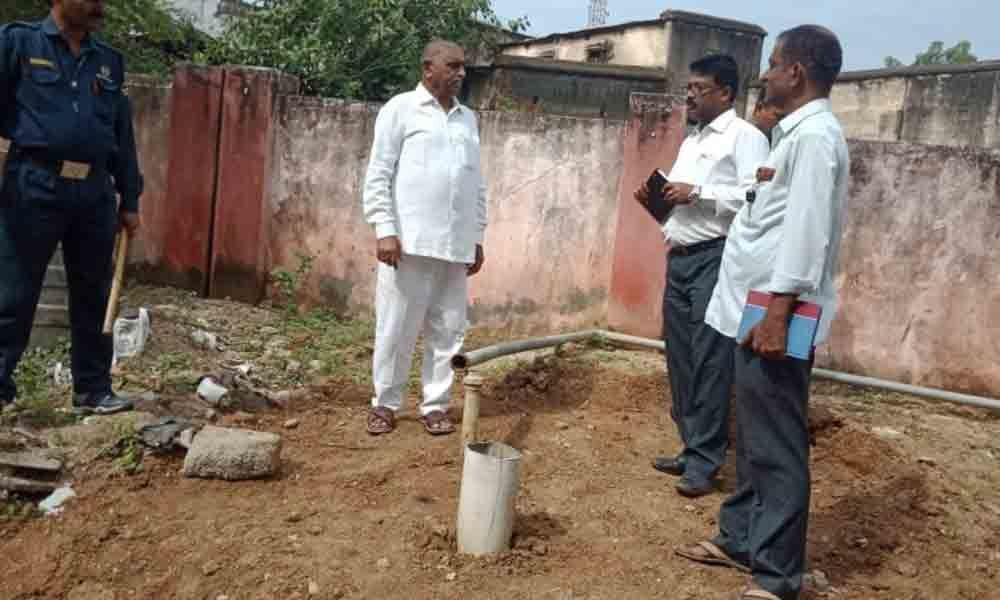 ZP chief gets borewells repaired in Nizamabad