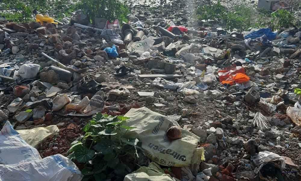 Chinna Cheruvu turns garbage dump