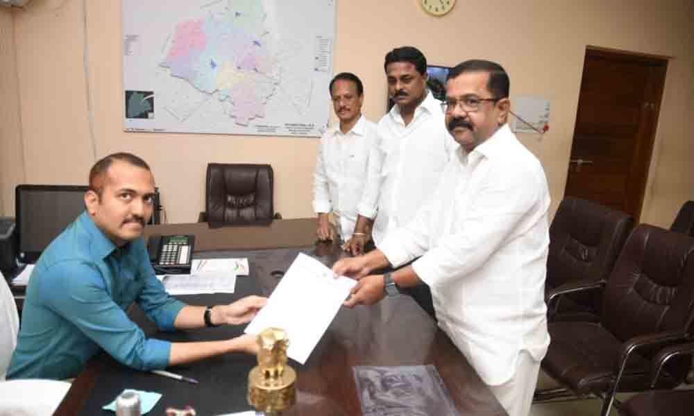 Warangal: Congress wants its piece of pie