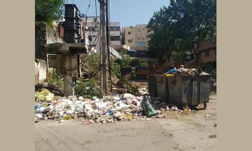 Dumping of garbage irks colony residents in Musheerabad