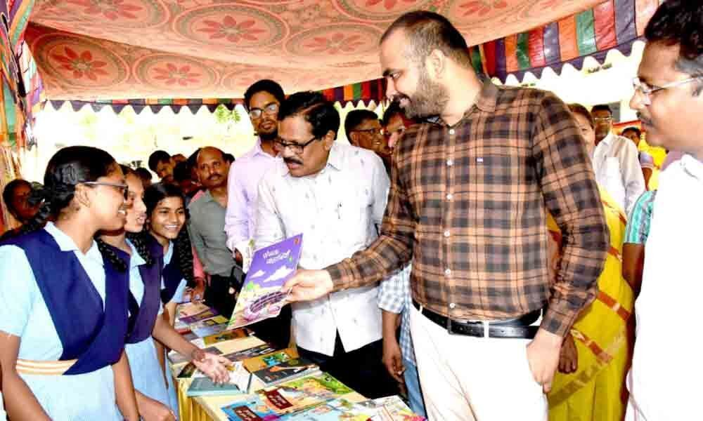 ZP chief  Lingala Kamal Raj stresses on importance of book reading in Khammam