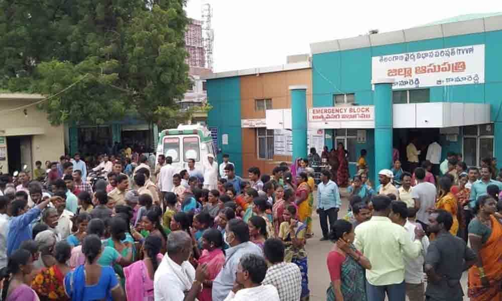 Woman found dead, relatives stage dharna in Kamareddy