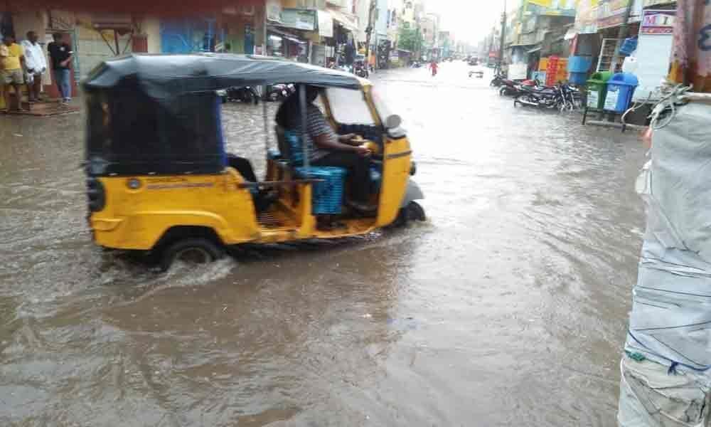 Heavy rains lash erstwhile Khammam district