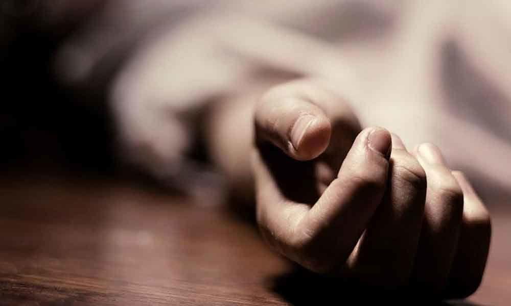 Drunk man stabs in-laws in Suryapet