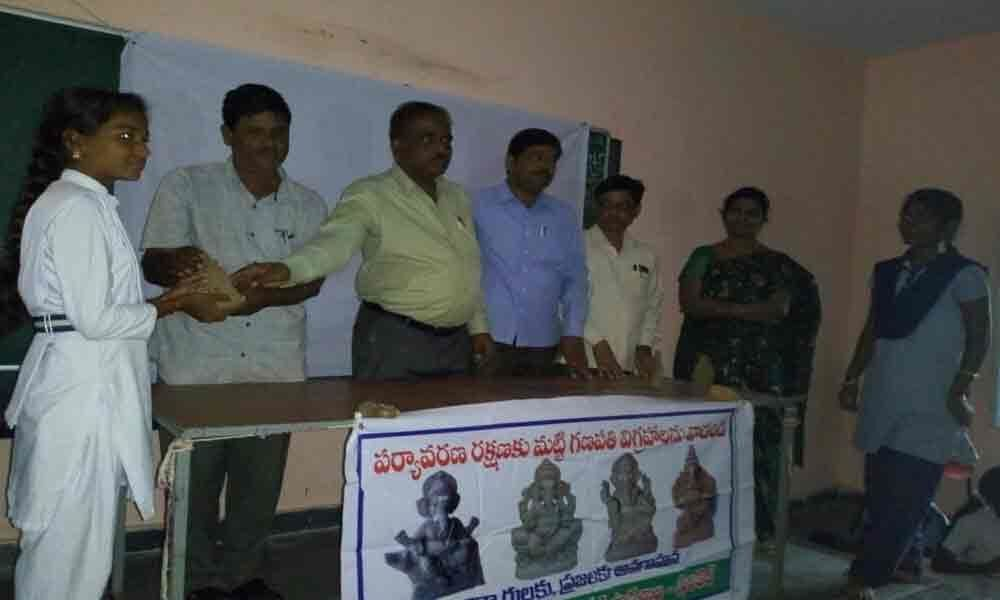 ZP schoolteachers, students embark on mission to promote clay Ganesh idols