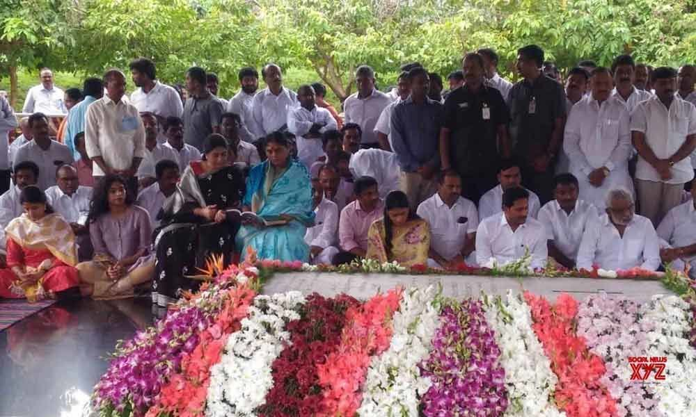 YSR commemorated on his 10th death anniversary in Andhra Pradesh