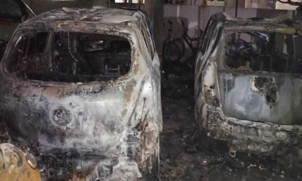 Fire engulfs in Ganesh mandap in Hyderabad