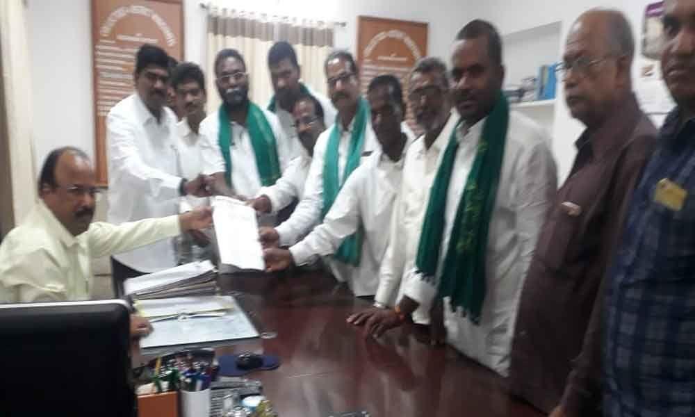 Farmers demand turmeric board