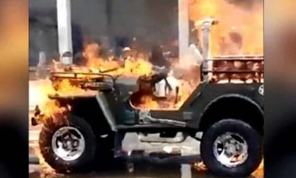 Gujarati man sets his jeep on fire for a Tik Tok video, gets arrested