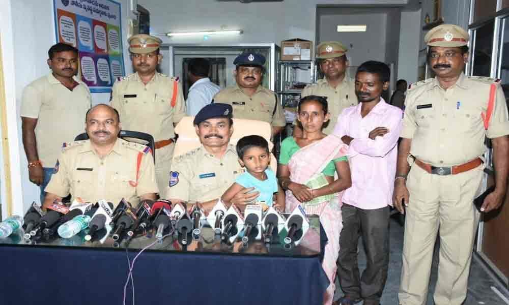 Four held for abducting 7-year-old boy