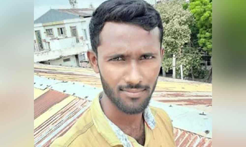Youngster killed in road accident Hyderabad