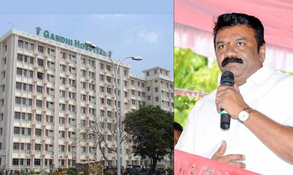 Talasani visits Gandhi hospital, inquires about measures being taken for seasonal fevers