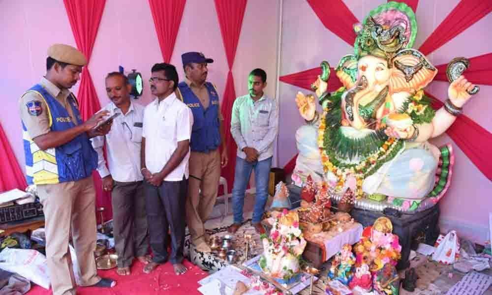 Cops geotag Ganesh pandals in Warangal