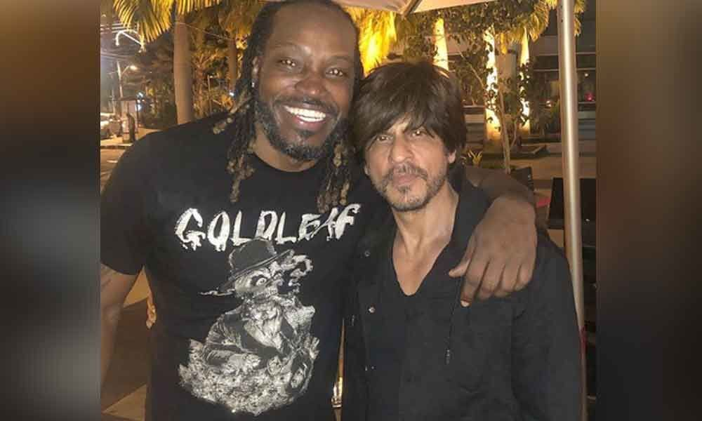 Cricketer Chris Gayle and Shahrukh Khan seen partying