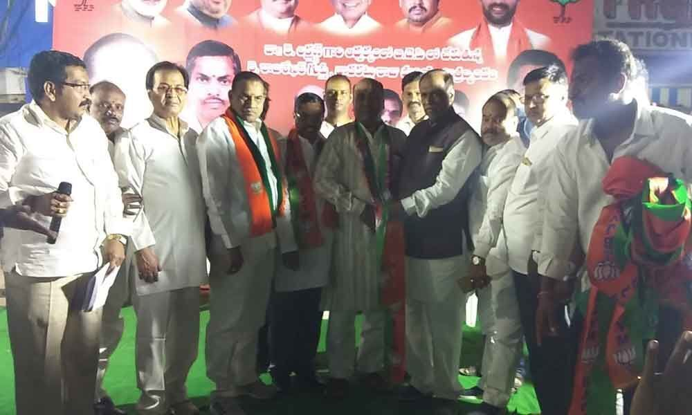 Several TRS activists switch over to BJP