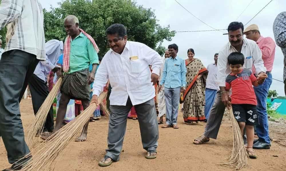 Clean and green drive at Pendlimadugu