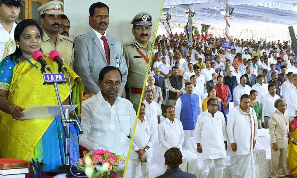 Large number of Tamilians attend Governor Tamilisais swearing-in ceremony