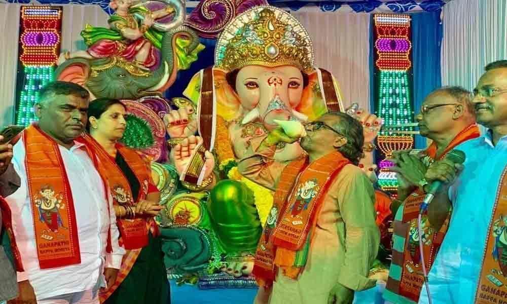 Ganesh Samithi fumes at restrictions on immersion in Kakinada