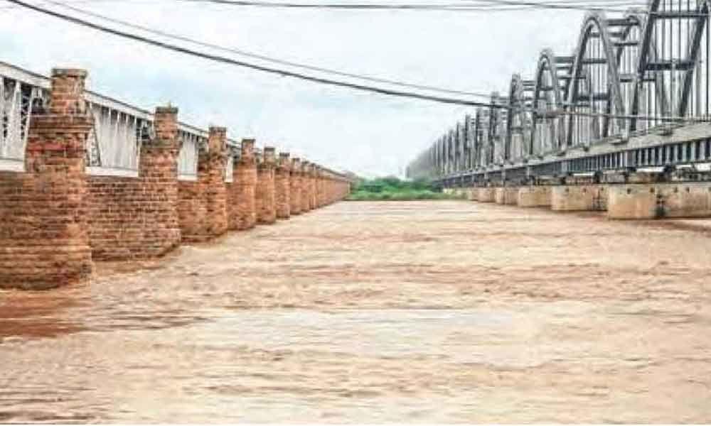 River Godavari flows at dangerous levels, warning issued at Dowleswaram barrage