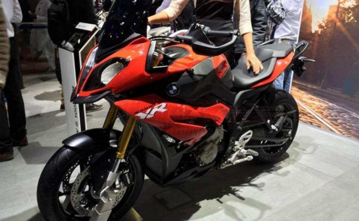 BMW S 1000 XR features at Auto Expo 2016