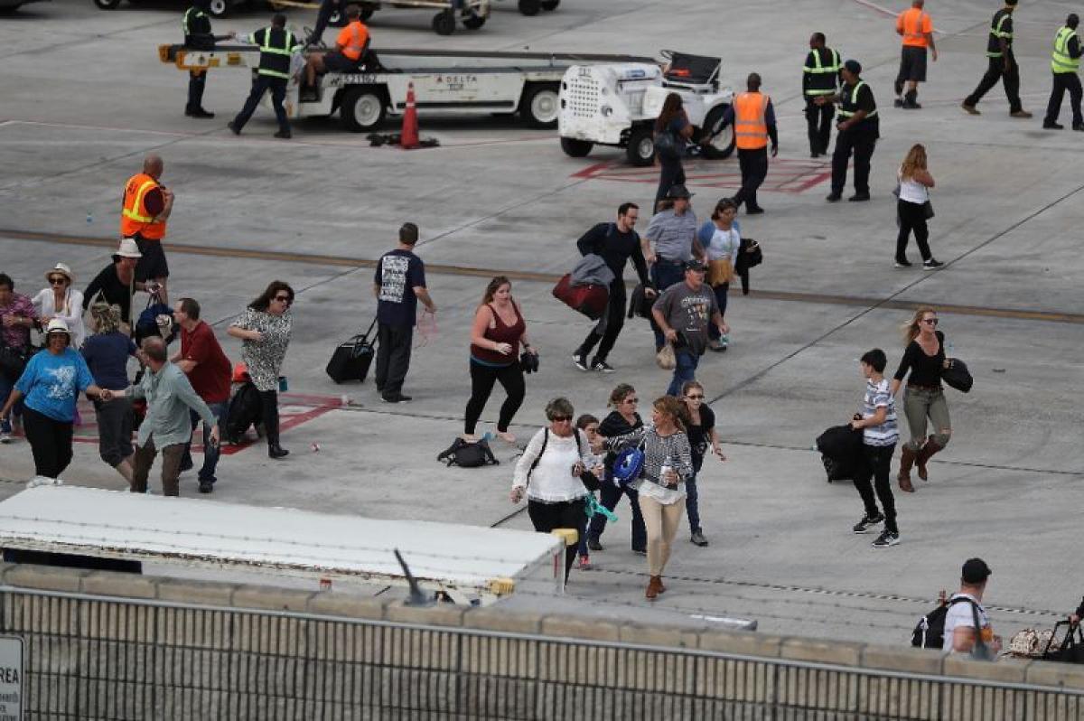 Video of gunman open firing at florida airport emerges