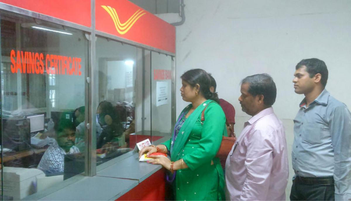 Indian Govt cuts interest rates on short-term postal deposits
