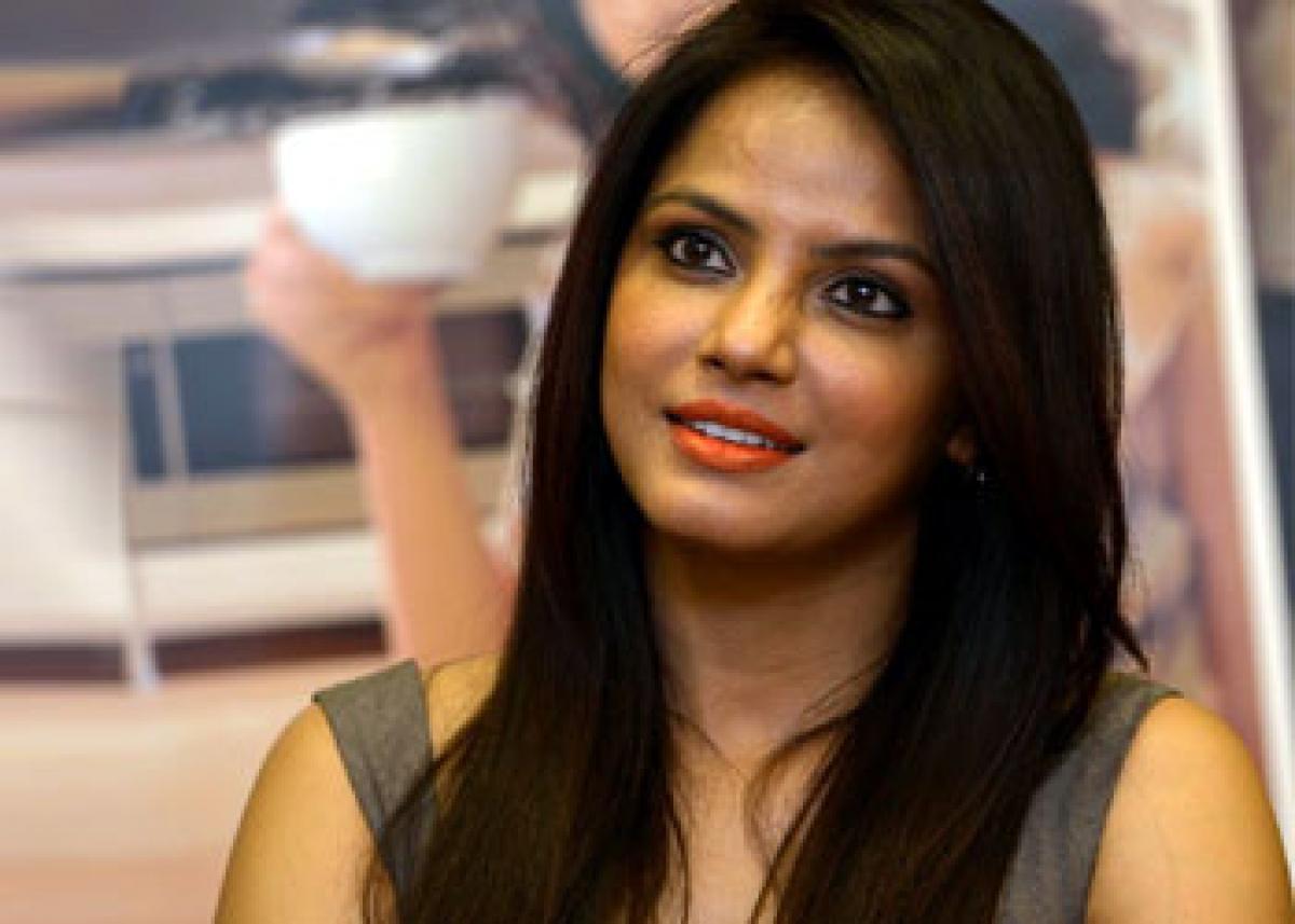 Neetu Chandra's Mithila Makhan opens 'Bihar: Ek Virasat Kala & Film Mahotsav 2016'!