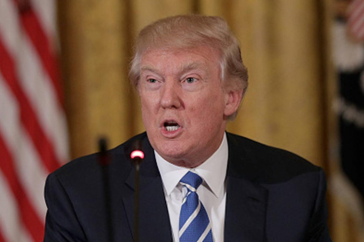 Trump advisers richer than previous White House officials