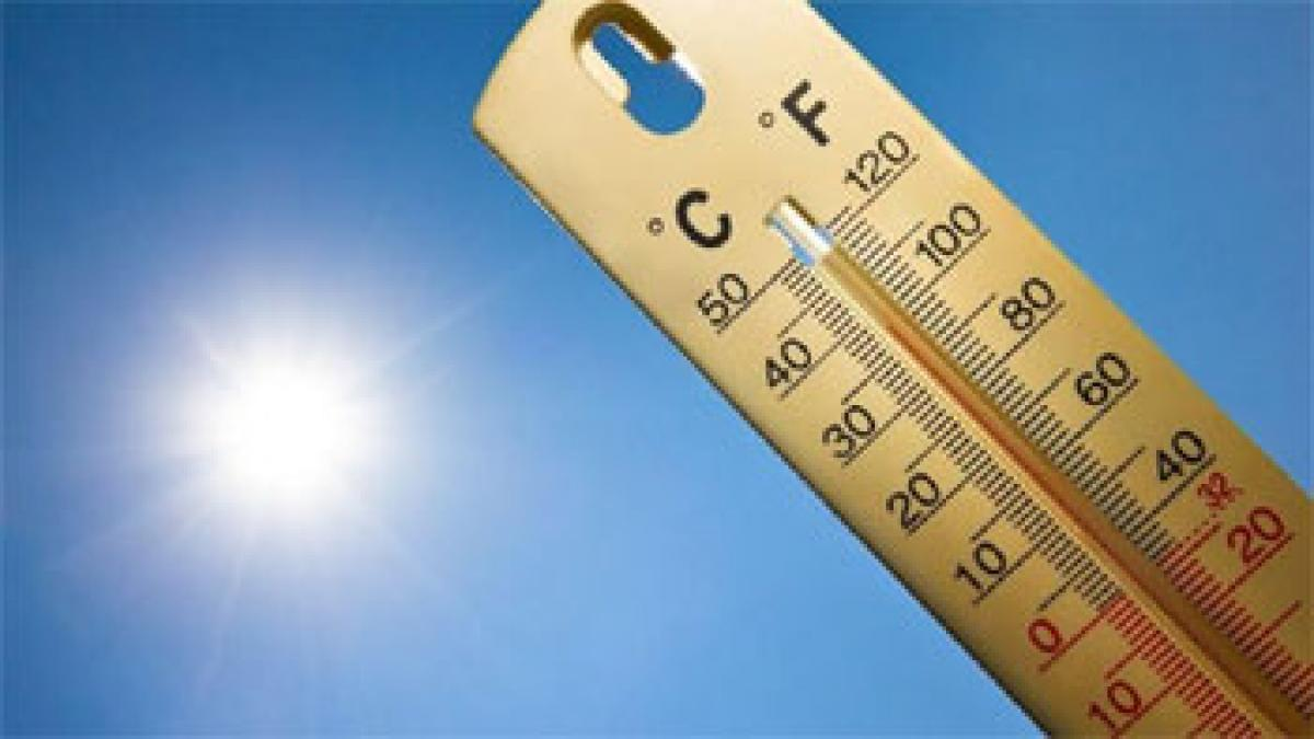 Medak, Nizamabad touch 40 c for first time