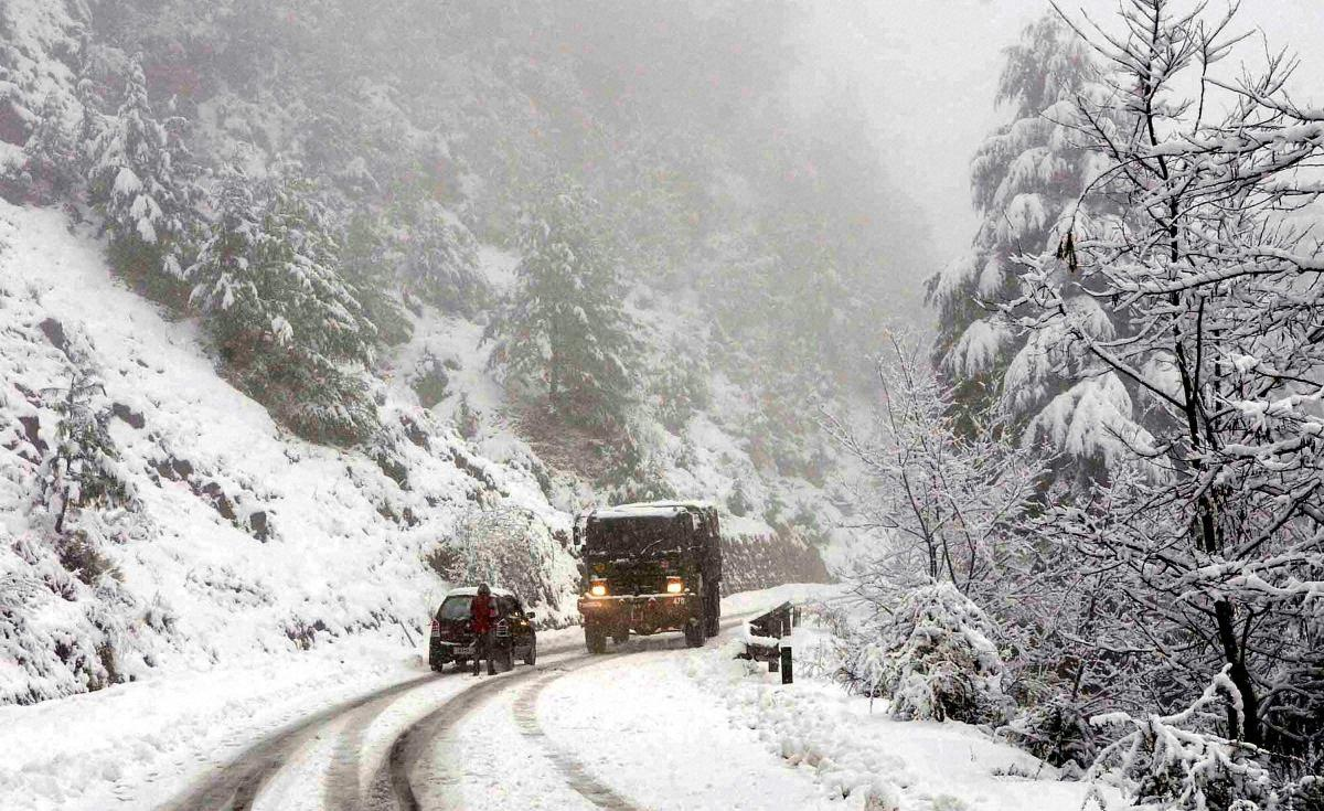 10 soldiers killed in two Kashmir avalanches, four missing