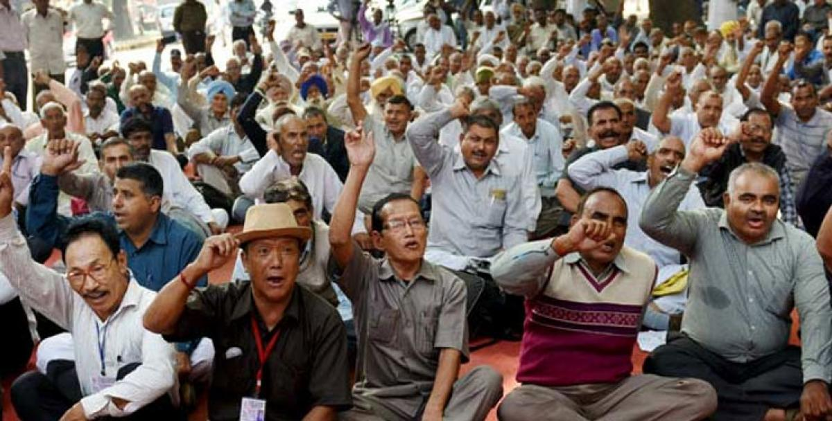 Ex-paramilitary personnel launch protest for OROP