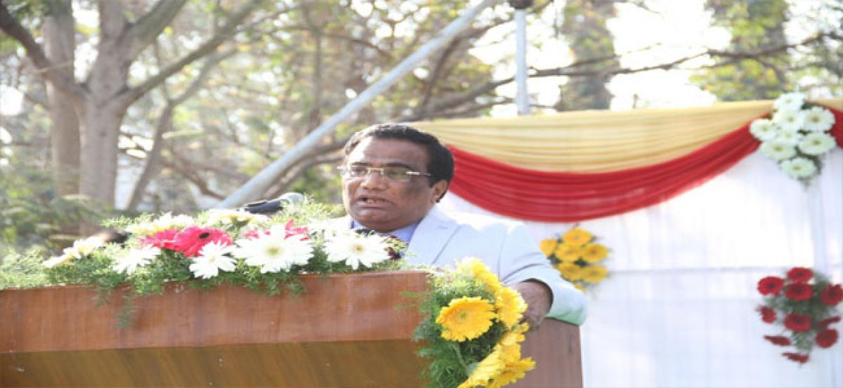 Work closely with industries: UoH VC
