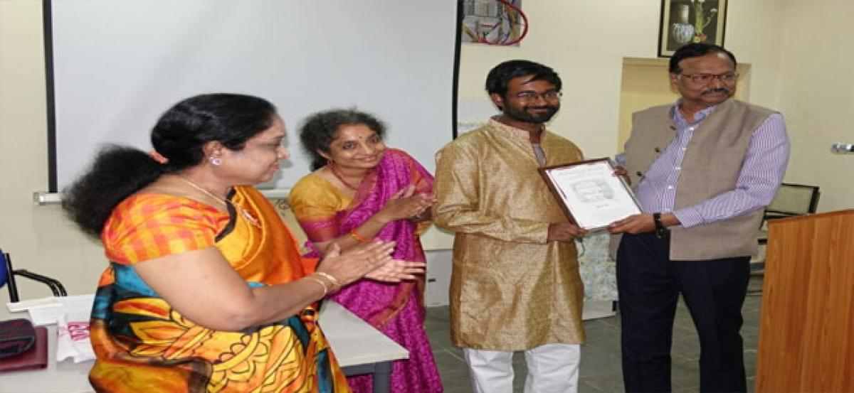 UoH doctoral student bags Rayaprol prize