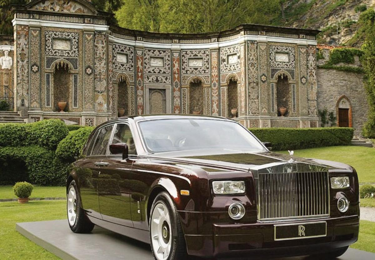 Record sales for Rolls Royce in 2015