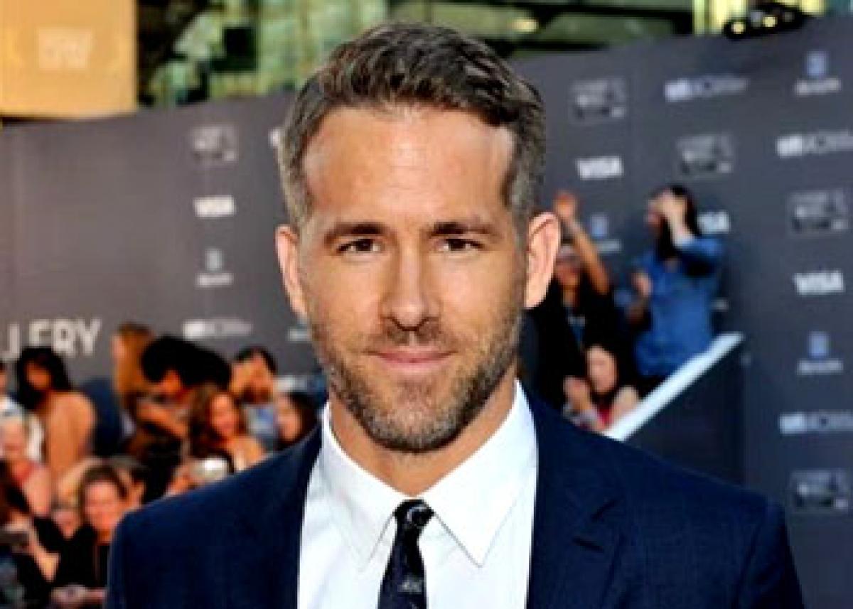 Ryan Reynolds in talks for Mars mission film