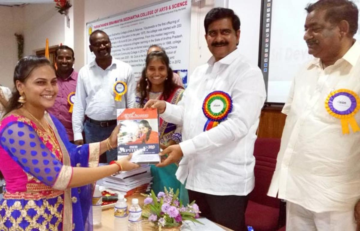 Free study material to job aspirants distributed