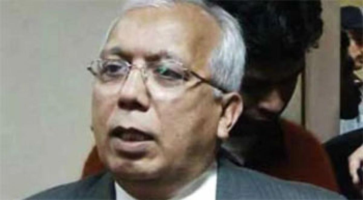 Farooqui slams UP Govt. for mocking farmers` plight