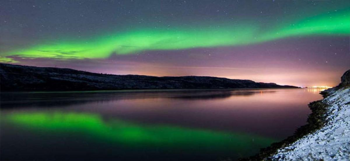 Electrons behind colourful auroras observed