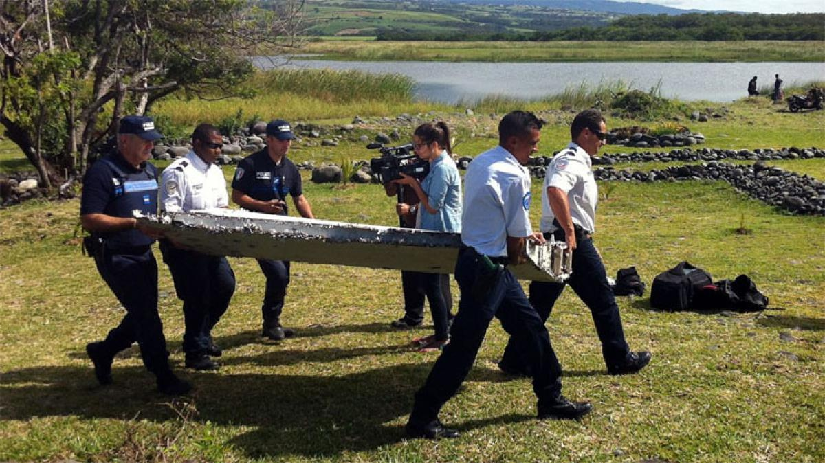 MH370 debris: Mauritius joins search operation
