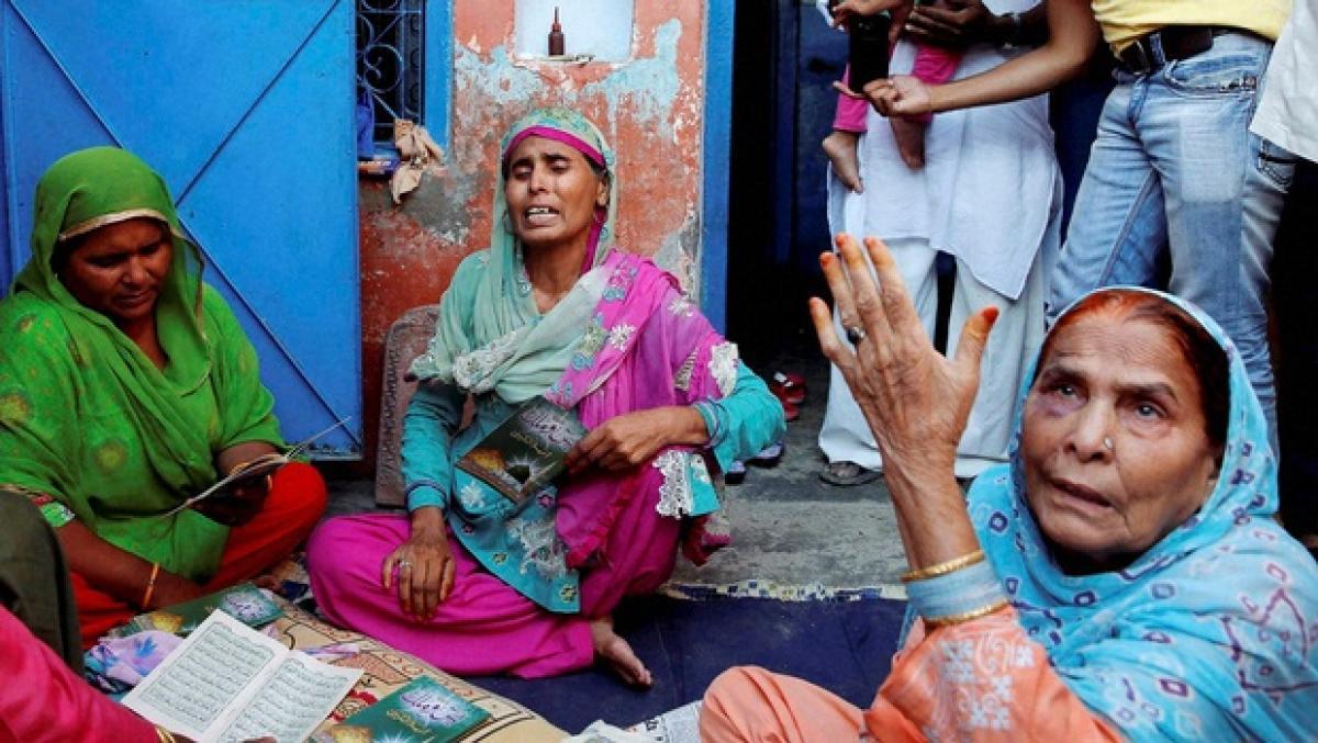 Dadri lynching case: Kejriwal barred from entering Bishada village