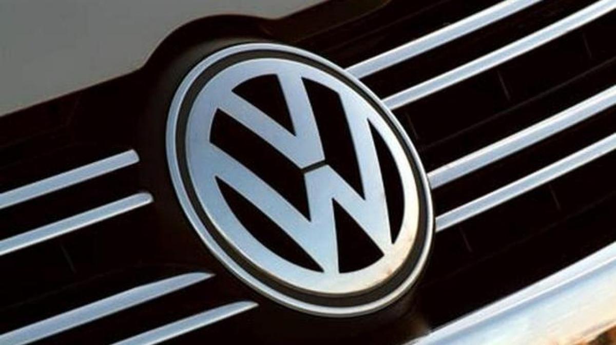 Volkswagens shares plunge 18.6 percent