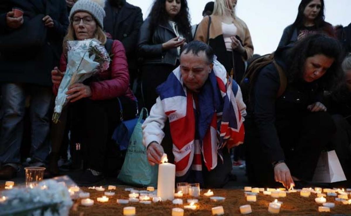 Hundreds Gather At Vigil For Victims Of London Attack