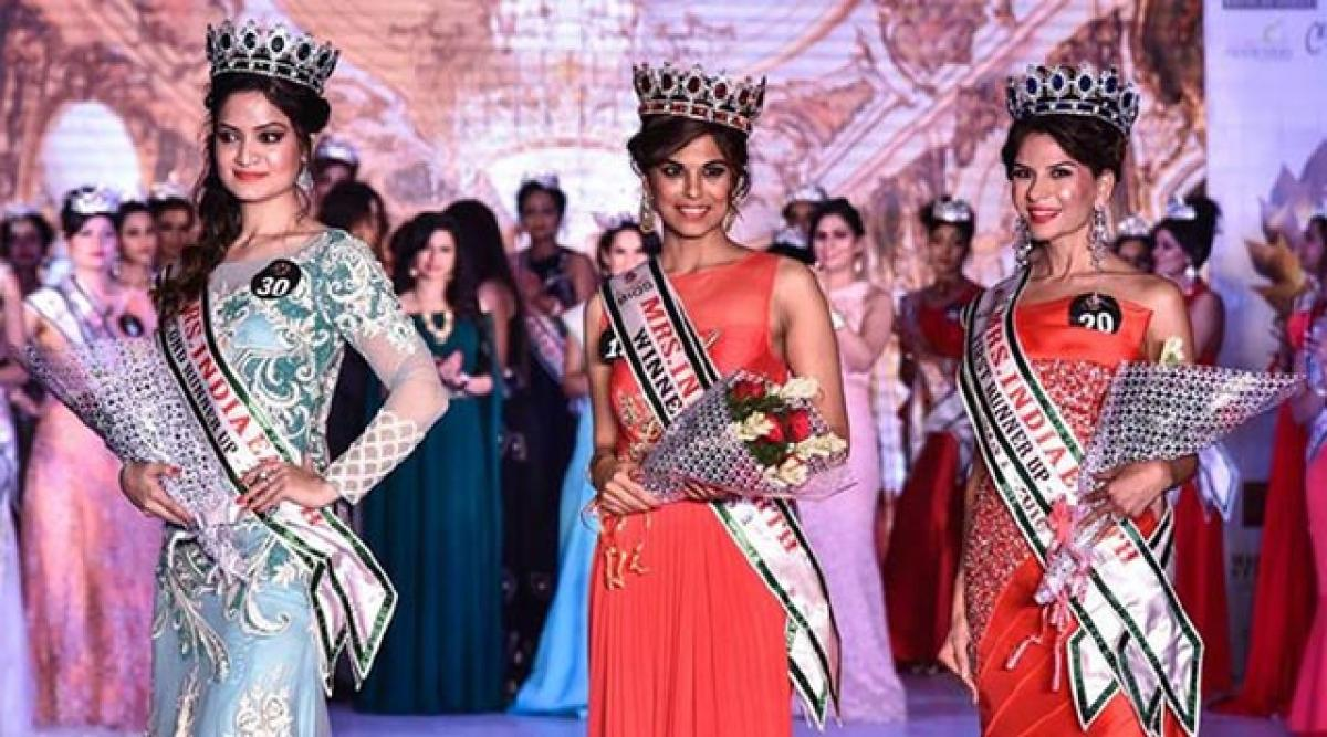 Prineet Grewal is Mrs India Earth 2016