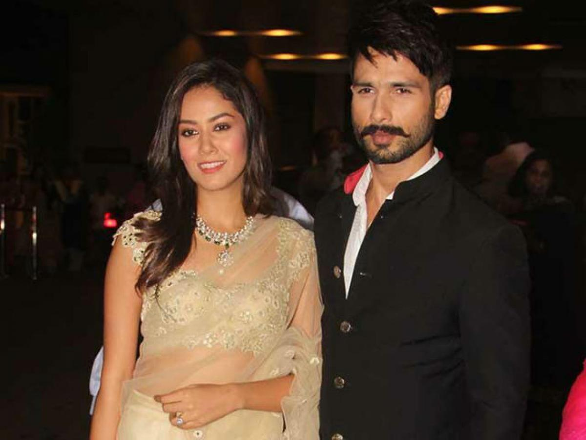 After Mira Rajput, Shahid mersmerised with another beauty