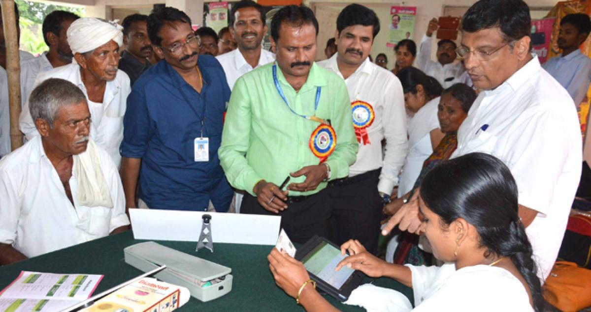 MLA Jalagam inspects Kanti Velugu centres